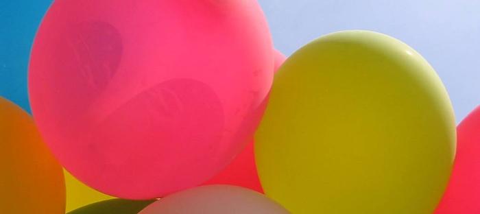 Realizzare addobbi di palloncini